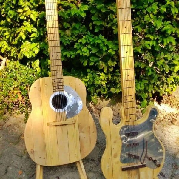 1001pallets.com-pallet-wood-guitars-4