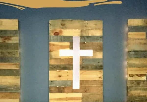 1001pallets.com-pallet-wood-panels-with-cross-03