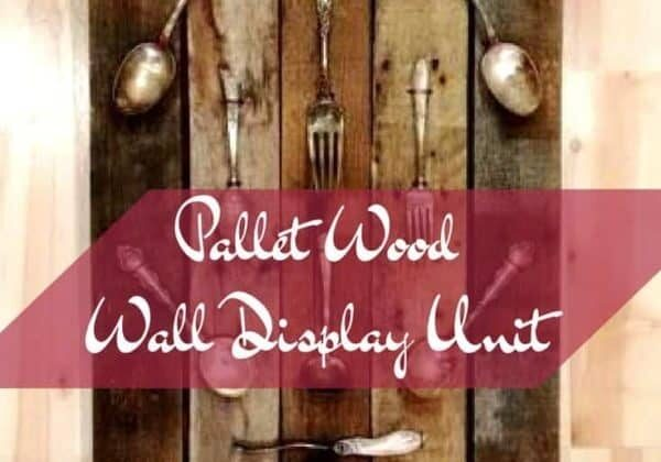 1001pallets.com-pallet-wood-wall-display-holds-vintage-silverware-08