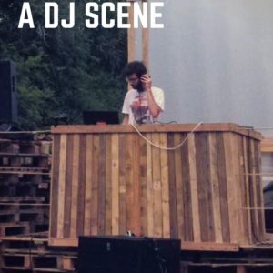 1001pallets.com-pallets-for-a-dj-scene-at-a-garden-party-01