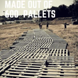 1001pallets.com-picnic-park-made-out-of-600-repurposed-pallets-01