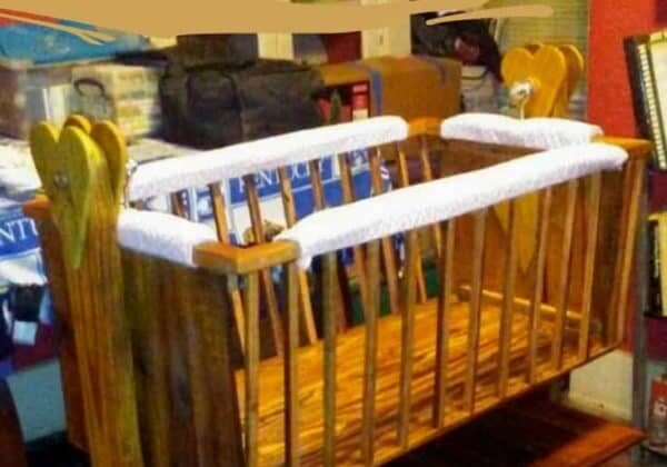 1001pallets.com-reclaimed-pallet-baby-cradle-05