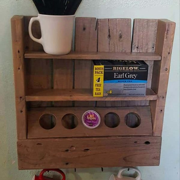 1001pallets.com-rustic-coffee-or-tea-shelf-made-from-only-a-recycled-pallet