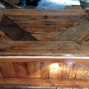 1001pallets.com-just-some-blanket-chest-ive-built-out-of-old-pallets