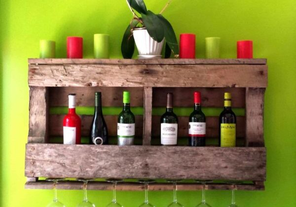 1001pallets.com-wood-pallet-rustic-wine-rack-unique-handmade-bar-decor-restaurant-decor