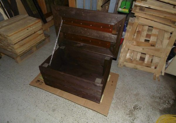 1001pallets.com-coffeetablechest-from-free-pallets