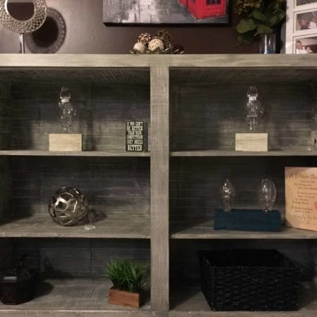 1001pallets.com-distressed-look-pallet-book-cases2