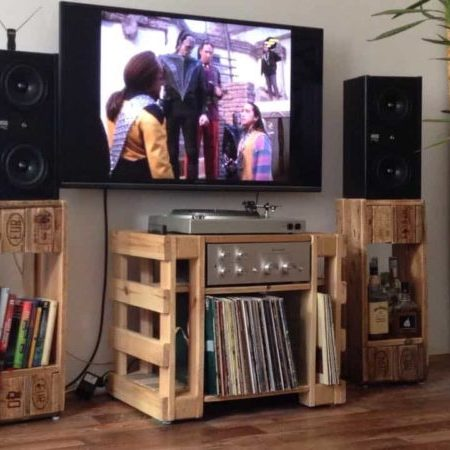 1001pallets.com-turntablehi-filp-table-and-speaker-stands