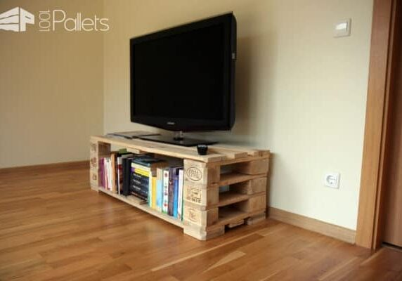 1001pallets.com-tv-stand-from-pallets-with-secret-compartment-03