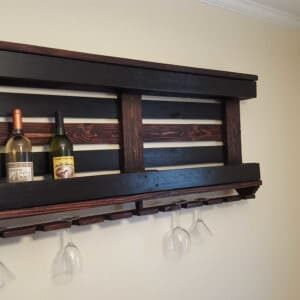 1001pallets.com-wine-rack-with-pallet-and-repurposed-wood