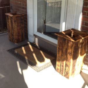 1001pallets.com-planter-boxes-made-out-of-pallets