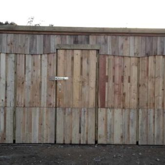 1001pallets.com-large-shed-made-out-of-pallets-5